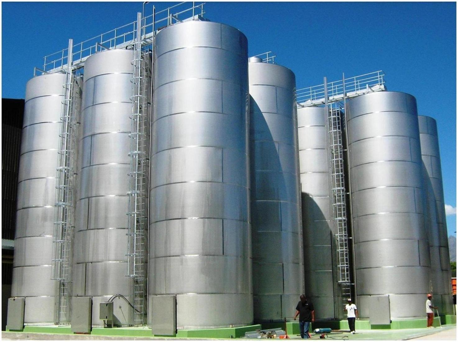 Distribuidor de tanques de armazenamento