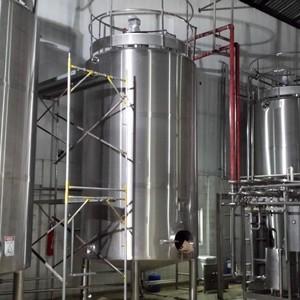 Montagem industrial de vasos de pressão